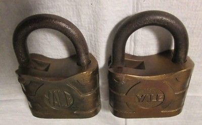 Antique padlock made by Yale & Towne Manufacturing Company