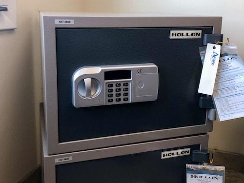 hollon gun safe with electric dial